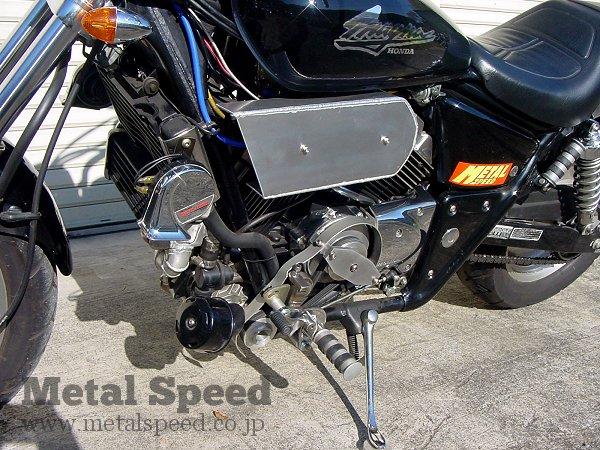 ホンダV-TWINマグナ250スーパーチャージャー by メタルスピード
