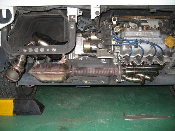 スバル・サンバートラック用ワンオフマフラー2と新型等長エキマニタイプ1